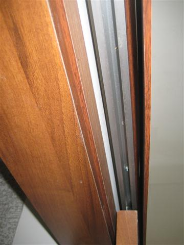מחיצות ודלתות הזזה מעץ
