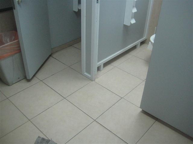מחיצות לשירותים דוגמא