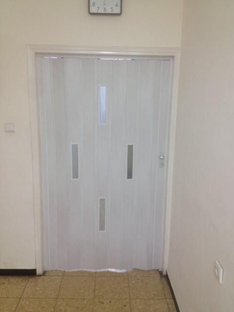 דלתות אקורדיון